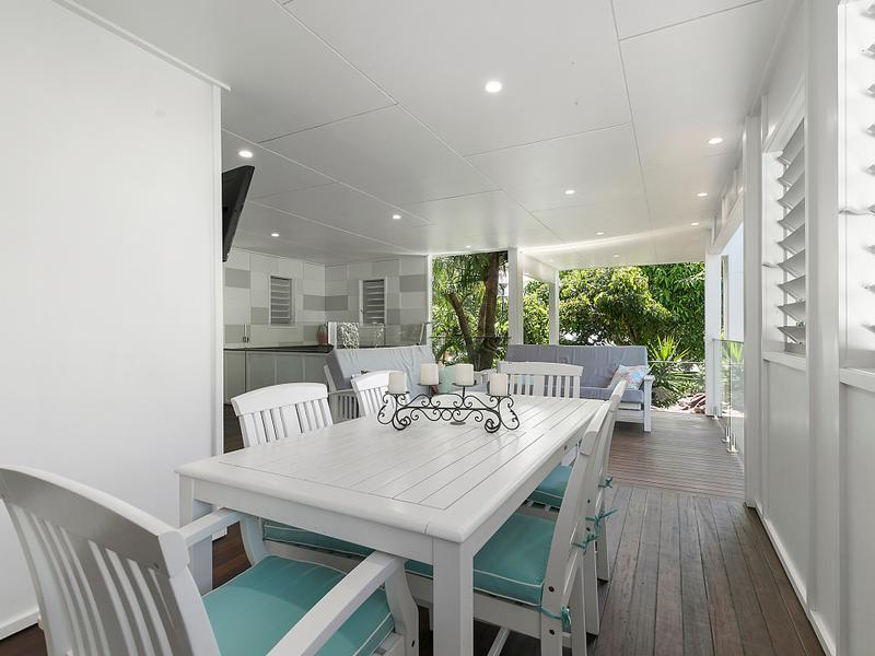 Outdoor Deck Extension Sunshine Coast Spa And Kitchen